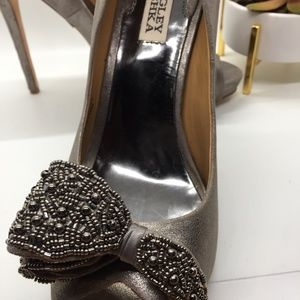 Badgley Mischka Shoes - Badgley Mischka Metallic Leather Heels